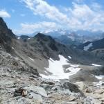 Chemin descendant vers la roche du Chardonnet