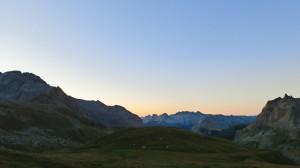 Lever de soleil sur la vallée étroite
